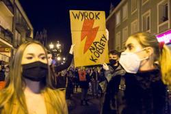 Strajk Kobiet w Łomży po orzeczeniu Trybunału Konstytucyjnego Julii Przyłębskiej.