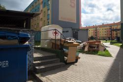 Wyspy śmieci to skutek pożaru wysypiska w Czartorii i w konsekwencji zamknięcia.