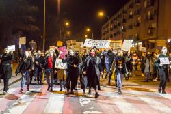 Protestujące kobiety (nie tylko) wyszły na łomżyńskie i polskie ulice.