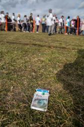 Niewiele kosztuje patriotyzm przy okazji różnych rocznic czy wydarzeń. Wiele kosztuje patriotyzm w życiu codziennym. Pusta paczka po papierosach, ale z białoruską akcyzą na trasie Biegu Tropem Wilczym w Piątnicy, organizowanym z okazji Narodowego Dnia Pamięci Żołnierzy Wyklętych.