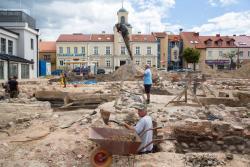 Wykopaliska na Starym Rynku w Łomży.