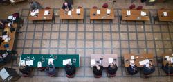 Sesja Rady Miasta na holu, aby unikać ścisku.