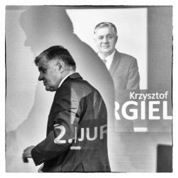 Dziś europoseł Krzysztof Jurgiel, wtedy kandydat w wyborach i to z drugiego miejsca. Konwencja wyborcza PIS przed eurowyborami w Centrum Katolickim w Łomży.