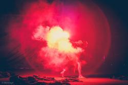 """Plenerowy spektakl """"Zapach czasu"""" krakowskiego Teatru KTO na Starym Rynku zakończył pierwszy dzień 32. Międzynarodowego Festiwalu Teatralnego """"Walizka""""."""