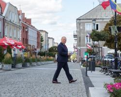 Po zabieganiu o budowę Via Baltici, po zabieganiu o budowę kolei przez Łomżę kandydat na posła Poseł Lech Antoni Kołakowski widzi nowe zadanie w powołaniu województwa łomżyńskiego. W tej sprawie złożył interpelację u premiera Morawieckiego.
