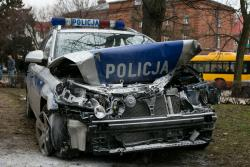 Pościg policjantów za litewskim samochodem, który okazał się kradziony. Akcja rozegrała się na Al. Legionów.