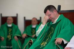 Ks. Andrzej Godlewski, proboszcz parafii Krzyża Świętego obchodzi jubileusz 25 lat święceń kapłańskich.