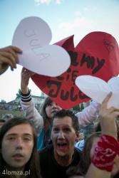 Gościniec Łomżyński. W tym roku wystąpiła łomżanka Jula ze swoim programem n/z fani Juli na powitanie przygotowali serca.
