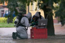 Kolno, w budynku 1 Liceum Ogólnoksztalcacym im. Adama Mickiewicza w Kolnie nieznaną substancją zatruło się około 40 osób, które trafiły do szpitala. 400 osób ewakuowano.