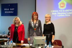 I sesja Rady Miejskiej. Panie będą rządzić radą, od lewej: wiceprzewodnicząca Alicja Konopka, przewodnicząca Bernadeta Krynicka i wiceprzewodnicząca Bogumiła Olbryś.