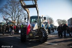 Rolnicy wyszli na ulice. Zablokowali w Konarzycach drogę na Ostrów Mazowiecką. Tego roku w naszym rejonie rolnicy blokowali jeszcze w Śniadowie i Piątnicy. Żądali rekompensat za dziki czy nienaliczania kar za mleko.
