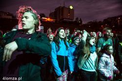 No Longer Musik, zespół grający muzykę chrześcijańską dał show na muszli.