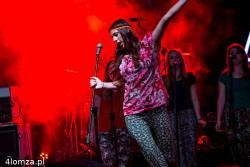Występy grup wokalnych z MDK DŚT przygotowywanych przez Magdę Sinoff i Bernadra Karwowskiego są dobrym punktem programu Gościńca Łomżyńskiego.