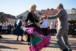 """Po raz pierwszy organizowana była """"Seniorada"""" czyli impreza z okazji Dnia Seniora na Starym Rynku."""