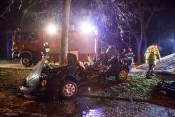 Dwoje młodych ludzi zginęło w wypadku na Grobli Jednaczewskiej.