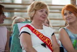 Halina Szeligowska, dyrektor SP 7 w Łomży po 20 latach dyrektorowania odchodzi ze szkoły, niestety bez kwiatów od prezydenta miasta. A przysłowie abisyńskie mówi - Czym budzi się szacunek? Władzą? - Nie! Słowami.