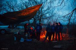 Zakończenie sezonu morsów nad Narwią przy ognisku.