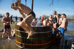 Idzie lato. Łomżyńskie morsy kończą sezon w ruskiej bani.